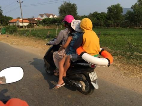 vietnam kalabalık motorlar