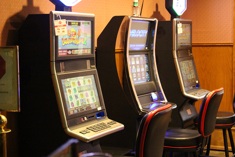 awesome hand gaming slot machines