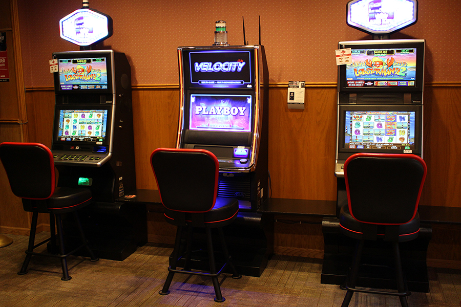 awesome hand gaming slot machine