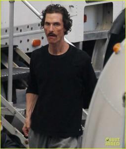 Matthew McConaughey on the Dallas Buyer's Club set