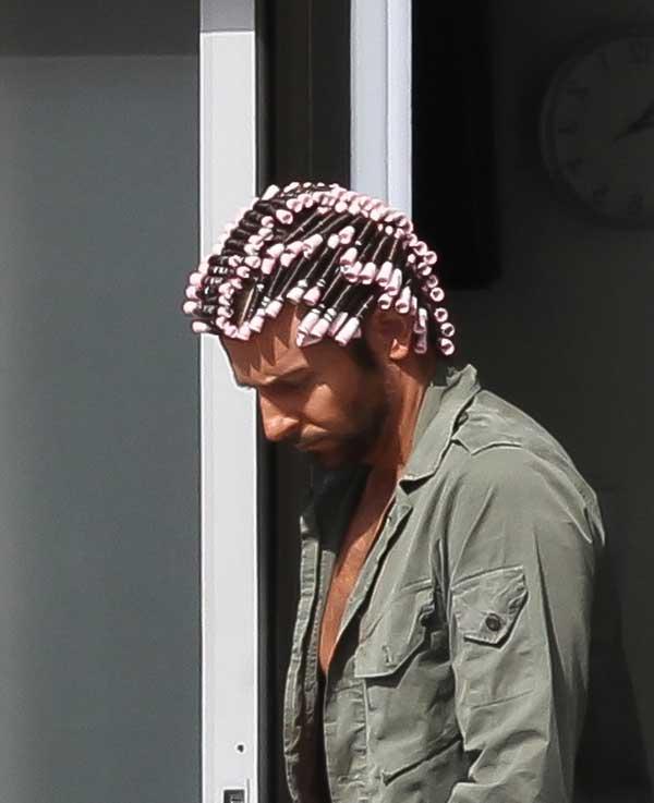 bradley-cooper-hair-curlers