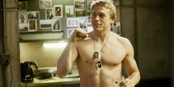 charlie-hunnam-shirtless-pacific-rim-clo