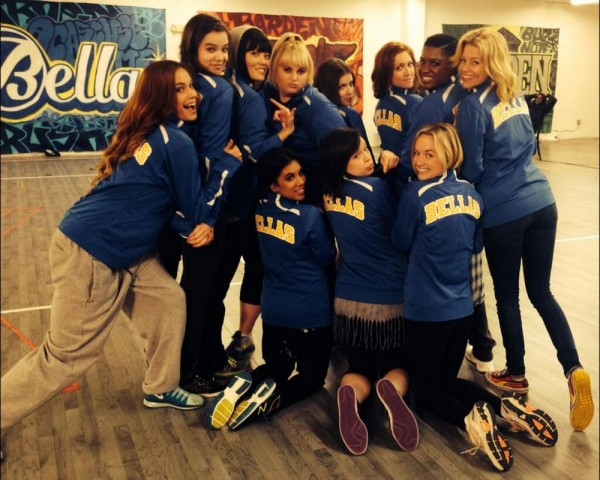 pitch-perfect-2-cast-photo2