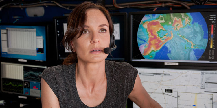sarah-wayne-callies-into-the-storm