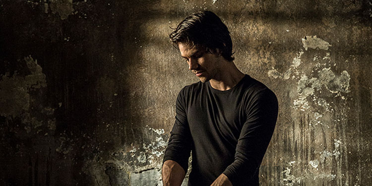 Dylan O'Brien Goes Shirtless in 'American Assassin' Trailer