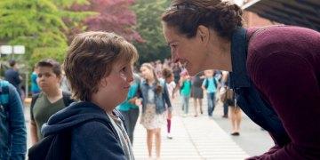 "Wonder Trailer<span class=""pt_splitter pt_splitter-1""> – Julia Roberts and Jacob Tremblay star in the heartwarming drama</span>"