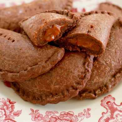 Dessert Empanadas (Chocolate & Dulce de Leche Empanadas)