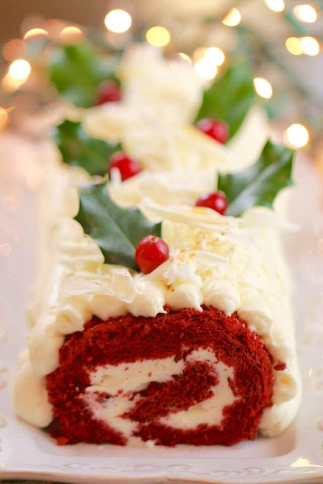 Red Velvet, Red Velvet Roulade, Red Velvet Cake, Cream Cheese Frosting, Christmas desserts, cake recipe, flourless cake recipe, Christmas dessert ideas