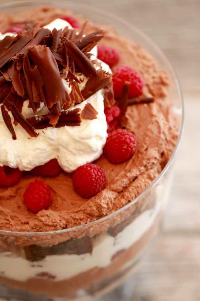 Chocolate Raspberry Trifle, chocolate, chocolate recieps, chocolate recipes, trifle recipes, chocolate raspberry desserts, raspberries desserts, chocolate desserts, chocolate pudding, no bake desserts, no bake recipes, Recipes, baking recipes, dessert, desserts recipes, desserts, cheap recipes, easy desserts, quick easy desserts, best desserts, best ever desserts, simple desserts, simple recipes, recieps, baking recieps, how to make, how to bake, cheap desserts, affordable recipes, Gemma Stafford, Bigger Bolder Baking, bold baking, bold bakers, bold recipes, bold desserts, desserts to make, quick recipes