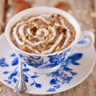 Microwave Cinnamon Roll Oatmeal in a Mug