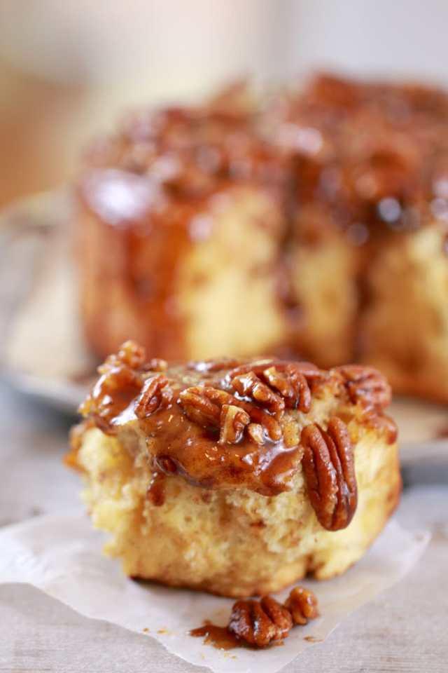 Sticky Buns, Sticky Buns recipe,easy Sticky Buns, easy Sticky Bun recipe, how to make Sticky Bun, cinnamon rolls, pecan sticky buns, breakfast pastries, breakfast recipes, brunch recipes, brunch ideas, brunch recipe, pastries, Recipes, baking recipes, dessert, desserts recipes, desserts, cheap recipes, easy desserts, quick easy desserts, best, best ever desserts, simple desserts, simple recipes, recieps, baking recieps, how to make, how to bake, cheap desserts, affordable recipes, Gemma Stafford, Bigger Bolder Baking, bold baking, bold bakers, bold recipes, bold desserts, desserts to make, quick recipes,