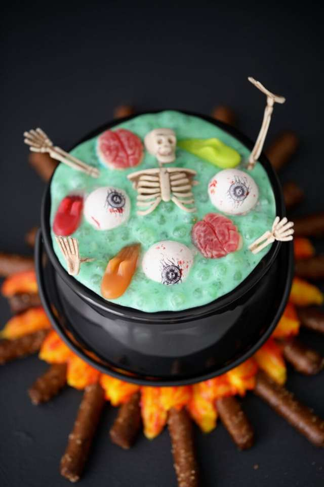 Halloween recipes, halloween treats, Halloween party ideas, halloween desserts, Witche's brew, witch's brew