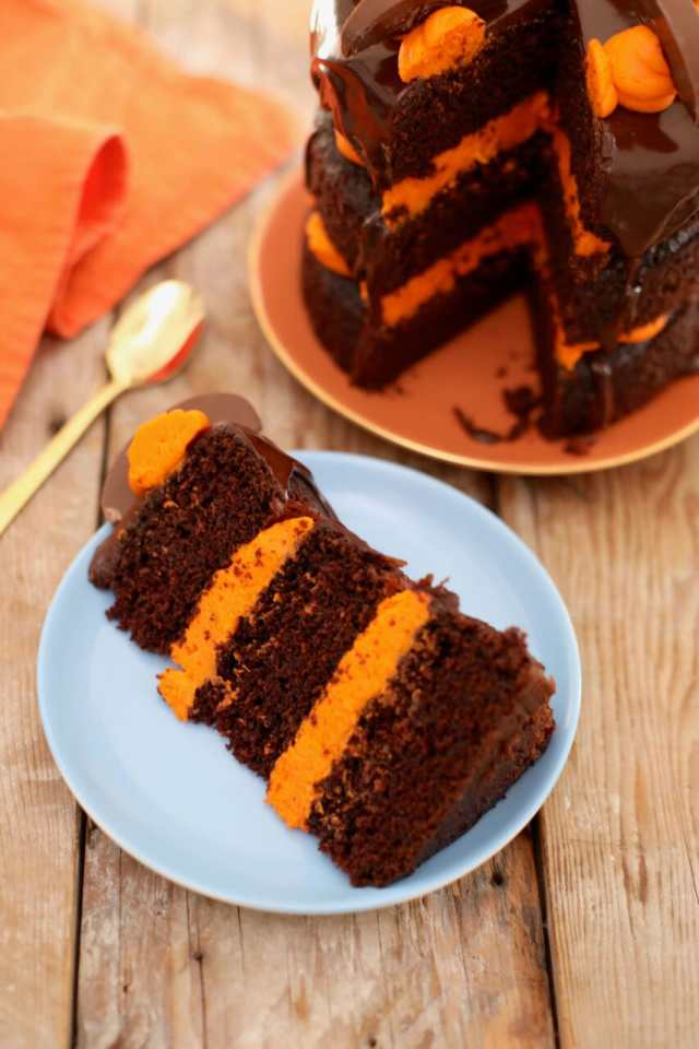 Chocolate and Orange cake, chocolate & orange cake, chocolate desserts, holidays desserts, cake recipes, christmas desserts, orange desserts