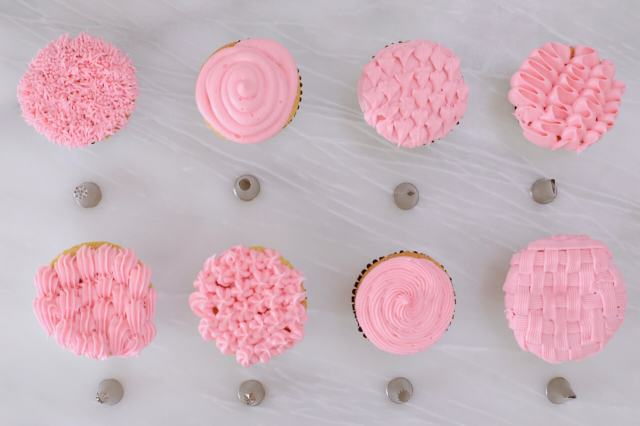 How to use Piping Nozzles - Easy cake decorating using the most common piping nozzles.