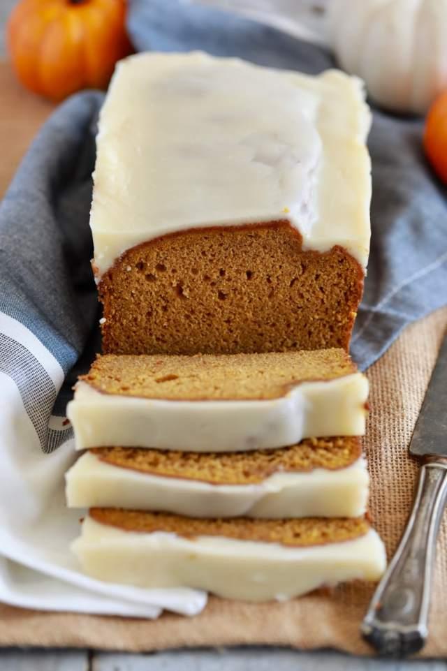 easy Pumpkin bread recipe, easy desserts , Pumpkin bread recipe, best desserts, best ever desserts, best ever Pumpkin bread recipe, affordable recipes, cheap recipes, cheap desserts, simple recipes, simple desserts, quick recipes, Healthy meals, Healthy recipes, How to make, How to bake, baking recieps, fall recipes, Thanksgiving recipes, pumpkin recipes, pumpkin bread