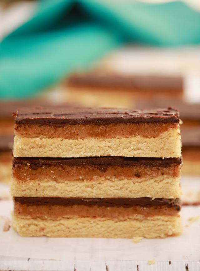easy homemade twix recipe, easy desserts , easy twix recipes , homemade twix recipe, best desserts, best ever desserts, best ever (subject) recipe, affordable recipes, cheap recipes, cheap desserts, simple recipes, simple desserts, quick recipes, Healthy meals, Healthy recipes, How to make, How to bake, baking recieps, recipes for kids, baking with kids, baking with children, kid friendly recipes, child friendly recipes, dinner party desserts, easy dinner party desserts, Healthy meals, Healthy recipes, vegan desserts, vegan recipes, egg free recipes, vegetarian desserts, eggless recipes, Gluten free baking, gluten free desserts, vegan twix, vegan candy bars