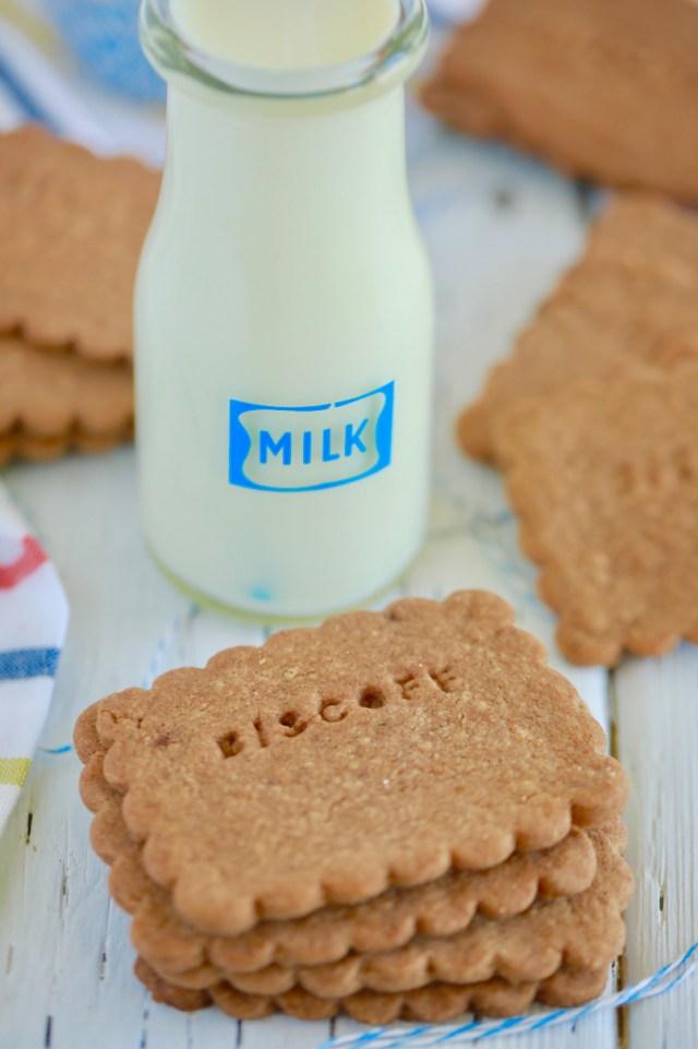Homemade biscoff cookies with milk.