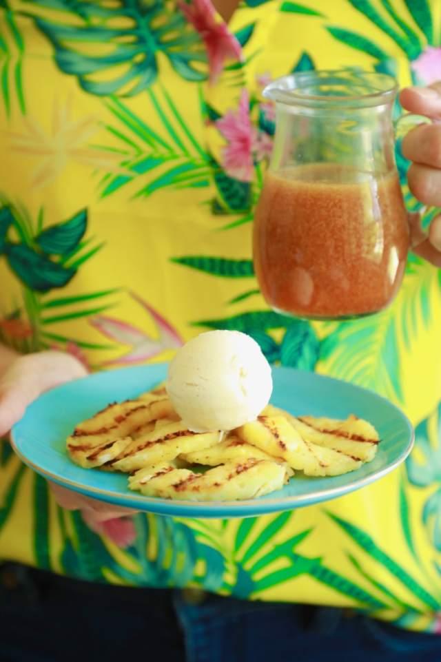 grilled pineapple, ice cream, caramel, summer, dessert, pineapple