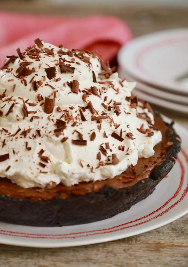 chocolate, chocolate pie, no bake, no bake pie, limited ingredients, chocolate pie recipe, pie recipe, no bake recipes