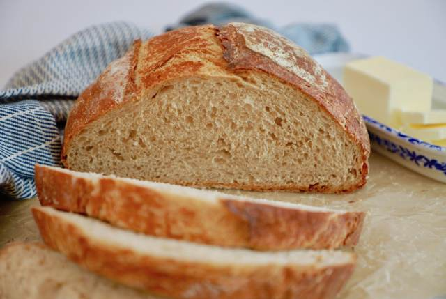 Crunchy, crispy, crackly whole wheat bread recipe!
