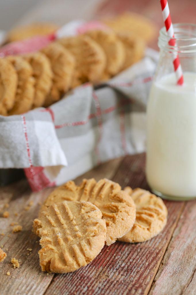 Peanut Butter Cookies, Peanut Butter Cookies Recipe, Easy Peanut Butter Cookies, How to Make Peanut Butter Cookies, Best Peanut Butter Cookies, Best Ever Peanut Butter Cookies, Peanut Butter, Peanut Butter Recipes, Peanut Butter Baking, Nut Cookies, Cookies, Best Cookies, Bigger Bolder Baking, Gemma Stafford