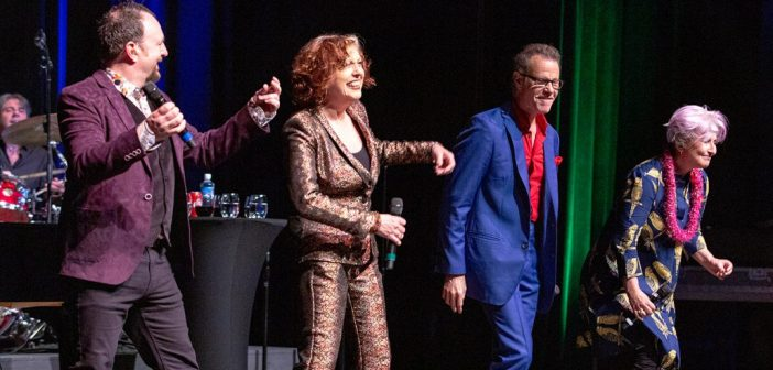 The Manhattan Transfer Delivers Swingin' Sultry Harmonies