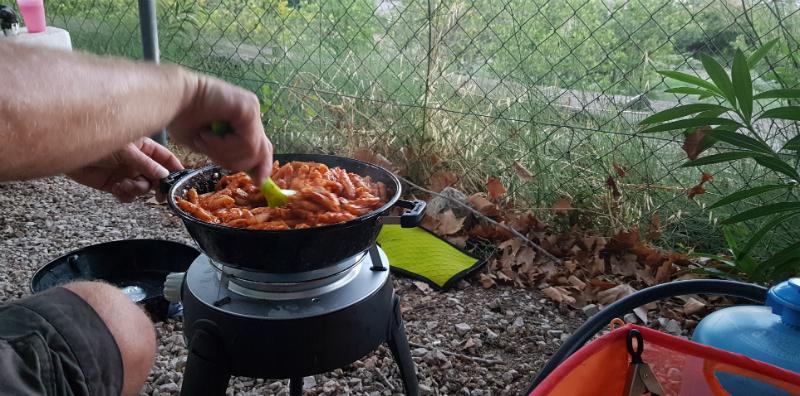 cadac-safari-chef-outdoor-stove