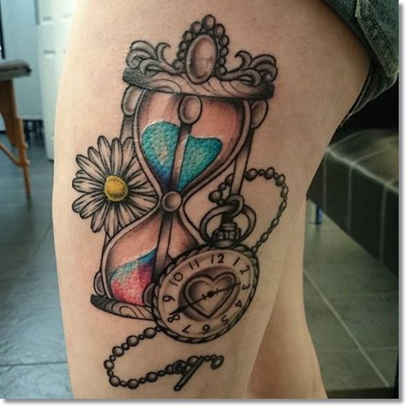 pocket-watch-tattoo-on-thigh