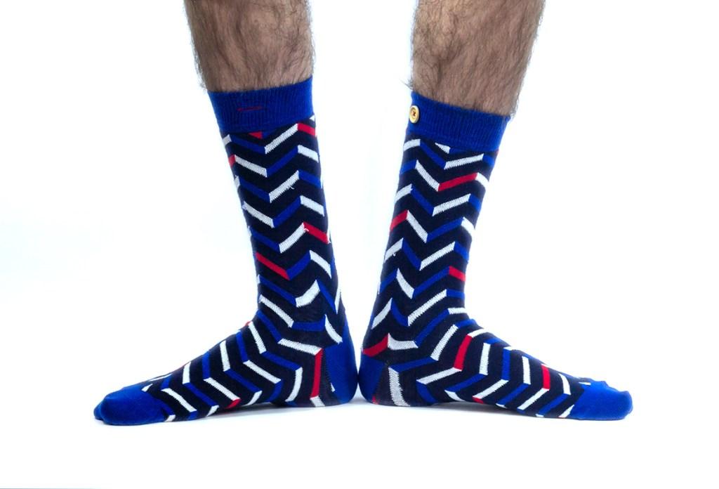 Plus la peine de remonter vos chaussettes jusqu'aux tibias pour cacher les poils de vos jambes !