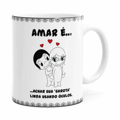 Caneca Amar é Achar Sua Garota Linda Usando Óculos Branca