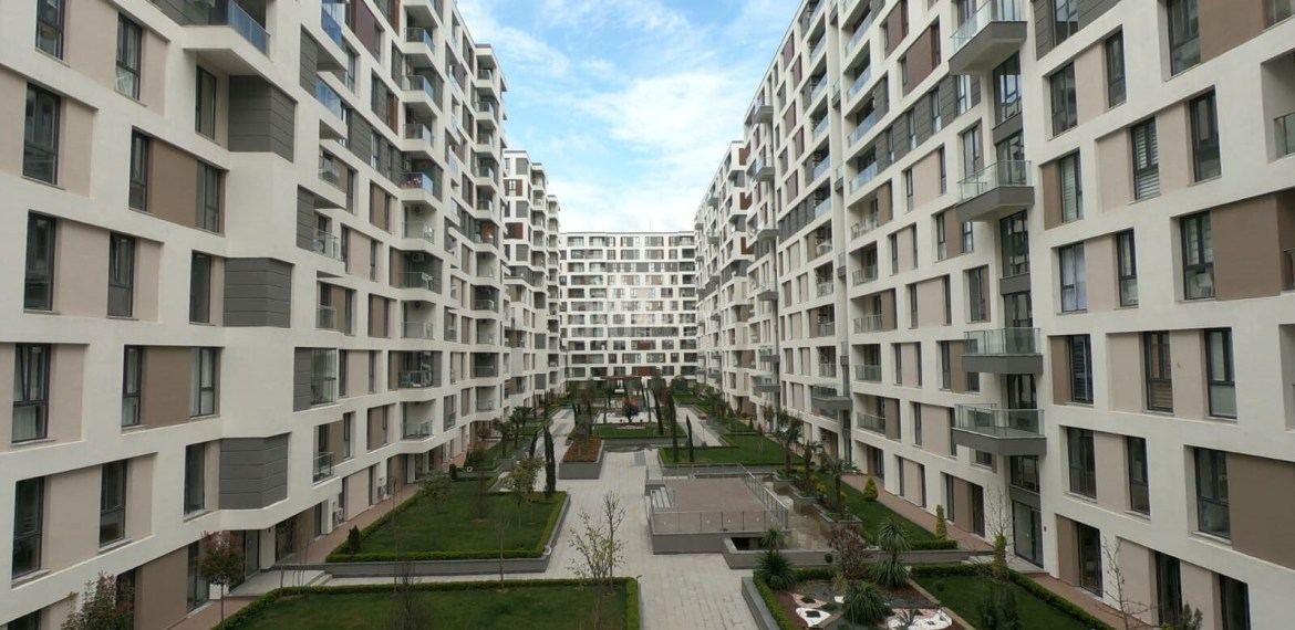 İstanbul West side turkish citizenship apartments for sale with resale price connected metrobus in Beylikduzu