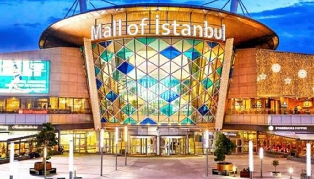 The biggest mall in istanbul near to the compound