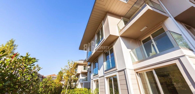 buy villa with garden in istanbul