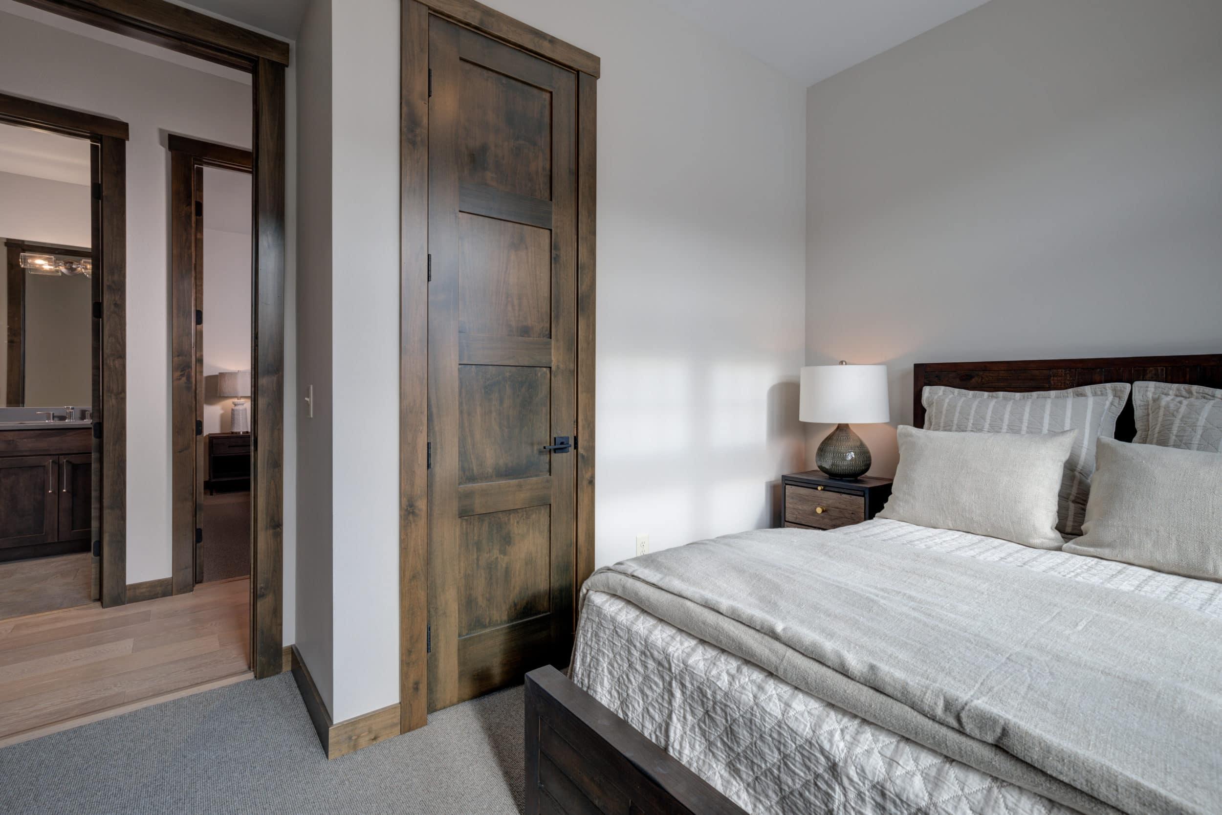 Elkhorn 2303C 3rd bedroom1