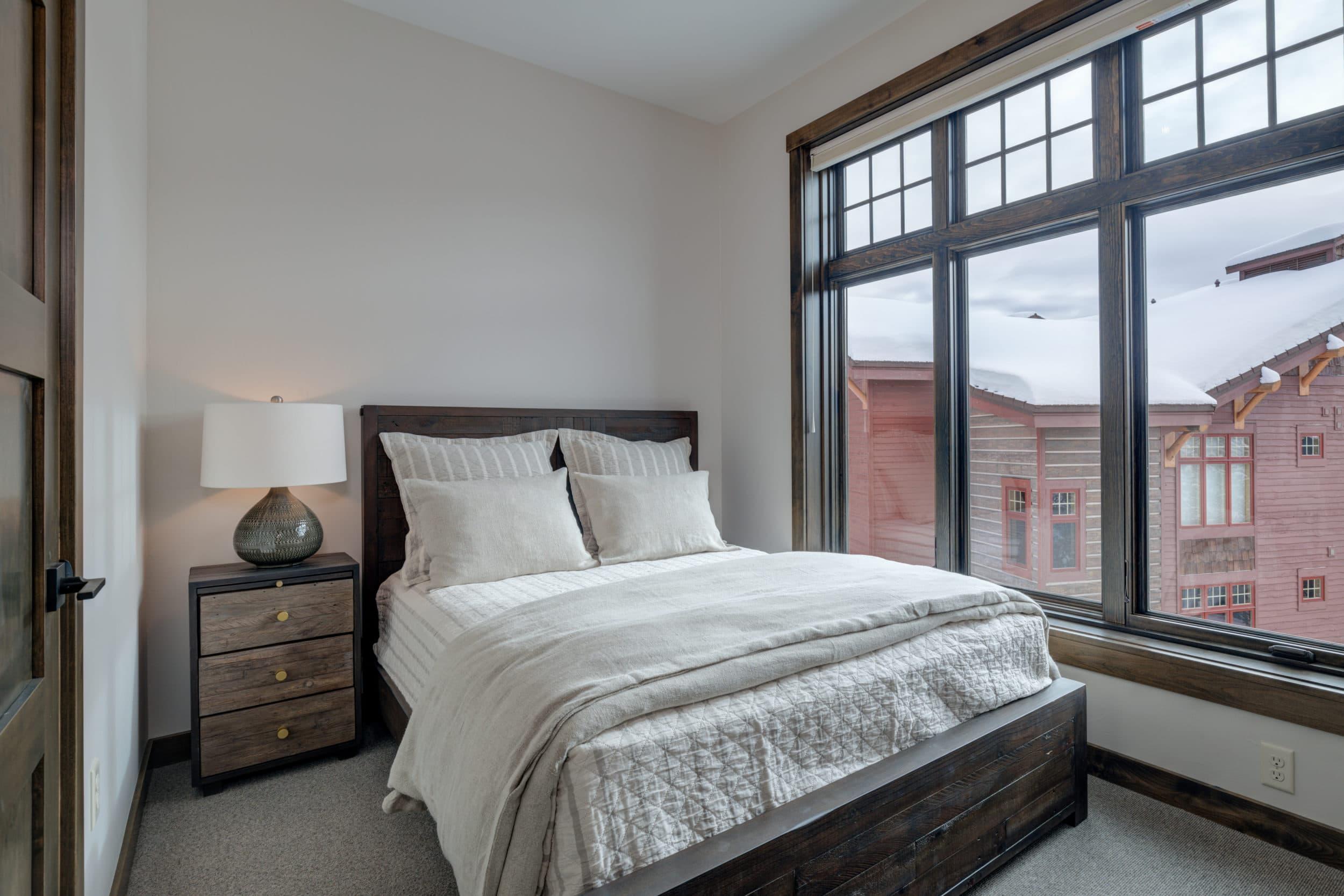 Elkhorn 2303C 3rd bedroom3