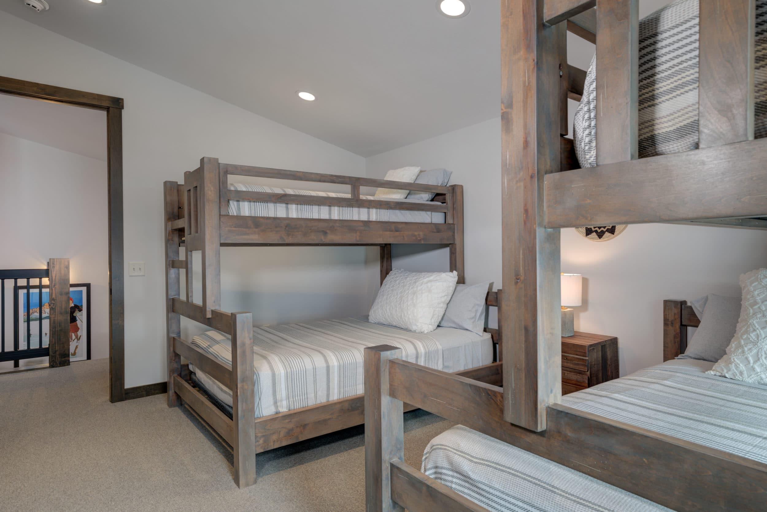 Elkhorn 2303C loft bedroom1
