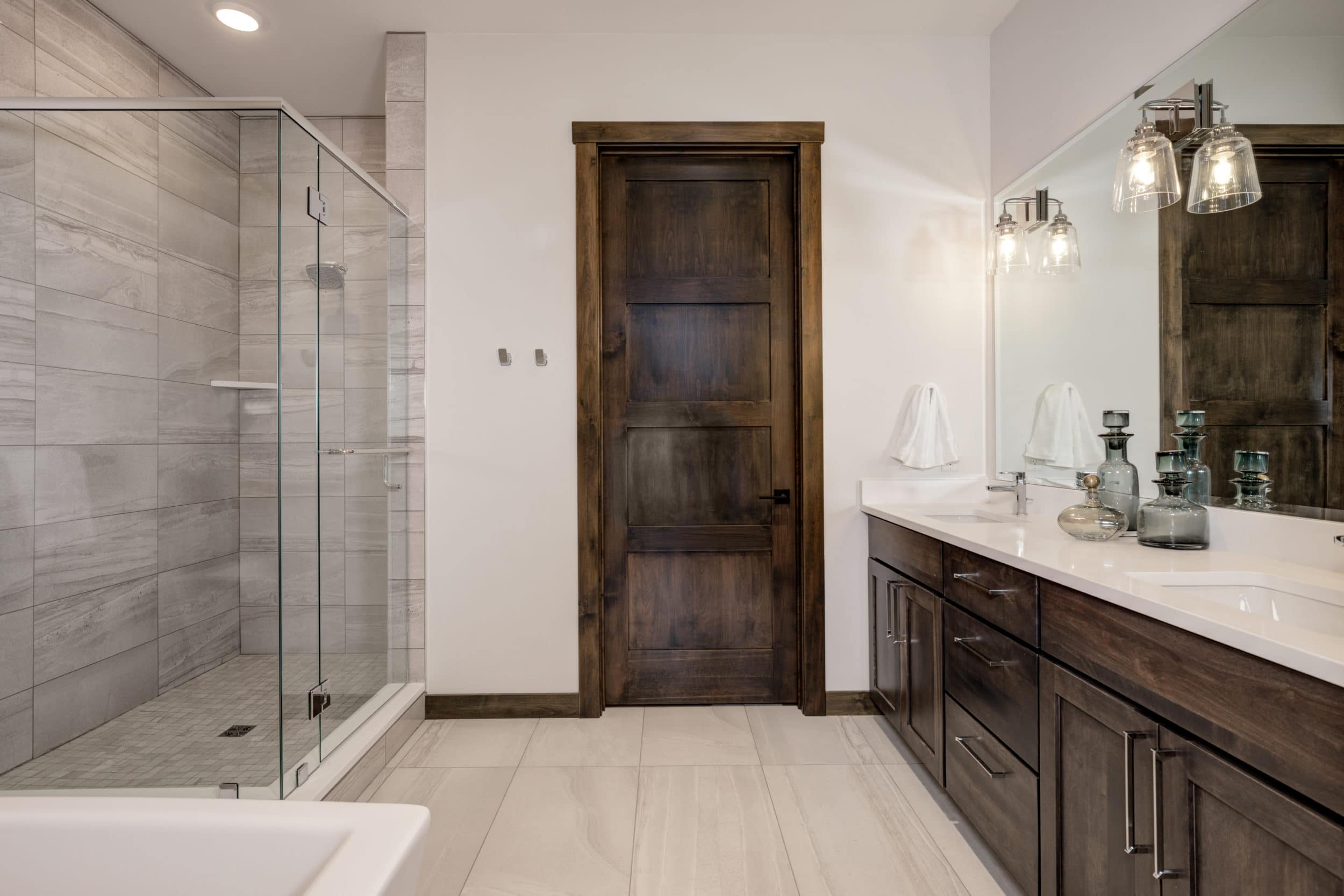 Elkhorn 2303C master bathroom1jpg