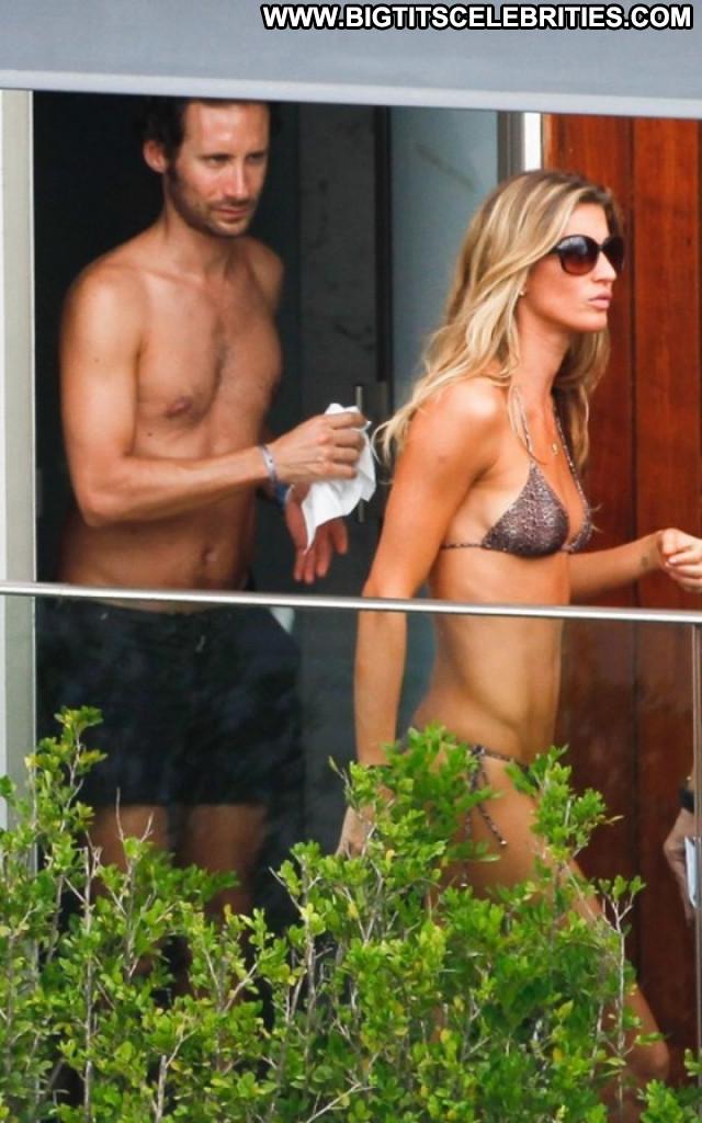 Gisele Bundchen Beautiful Celebrity Babe Bra Paparazzi Posing Hot