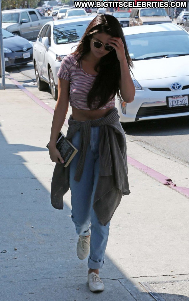 Selena Gomez Babe Posing Hot Paparazzi Celebrity Beautiful Gorgeous