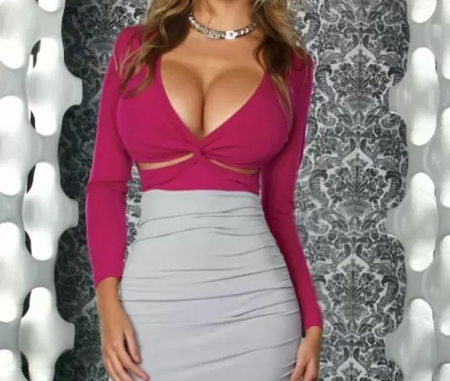 Cleavage Bust Model Babe Picture