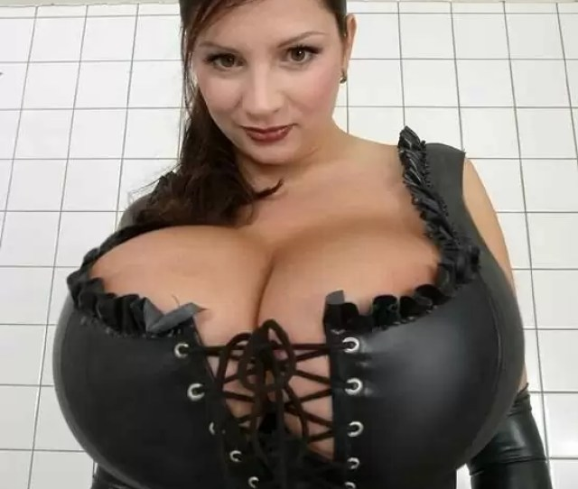 Babe With Giant Natural Tits