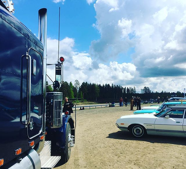 FHRA drag racing @ Motopark Raceway, drive-in area for classic cars.