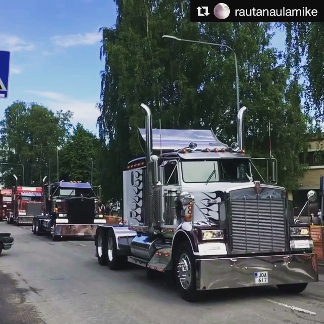 Big Wheels 22.7.2017, Pieksämäki, Finland. The great cruising parade leaving Poleeni fairgrounds and heading  to the route.