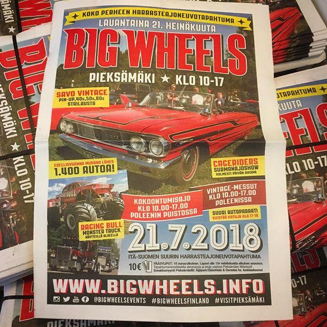 We just got 50.000 copies (!!) of Big Wheels tabloid from the local newspaper print. Saatiin tänään ennakkolehdet painosta, ensi viikolla kotitalouksissa noin tunnin ajomatkan säteellä Pieksämäestä 🙂
