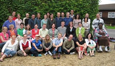 Groep studenten tijdens cursus in Engeland