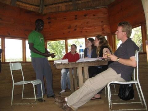 In elke les worden we aangemoedigd om zoveel mogelijk Swahili te spreken