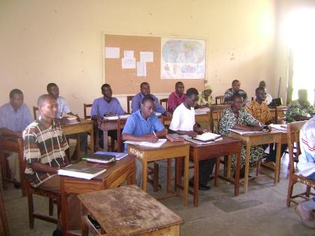 De studenten aan de bijbelschool vlak bij Musoma