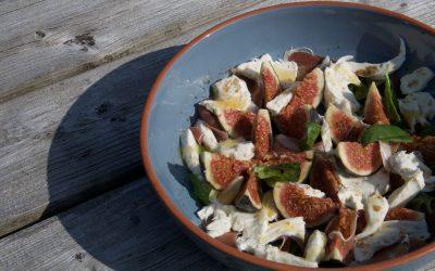 Vijgen, Mozzarella en Prosciutto Salade met Honing