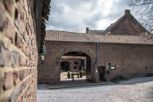 Bijzondere Overnachting Origineel Overnachten Slapen op Limburgse Kasteelboerderij in Schinveld14
