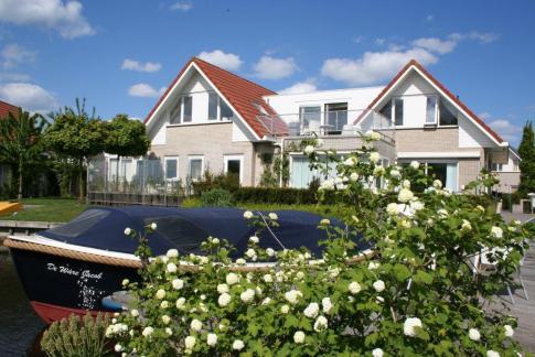 Bijzondere Overnachting Origineel Overnachten Villa Envie - Luxe boutique hotel aan het Sneekermeer4
